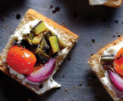 Crostini con ricotta di mandorle e verdure grigliate